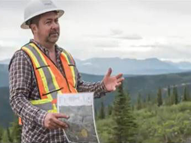 Dublin Gulch - A History of the Eagle Gold Mine - John, Michael and the Team in Yukon